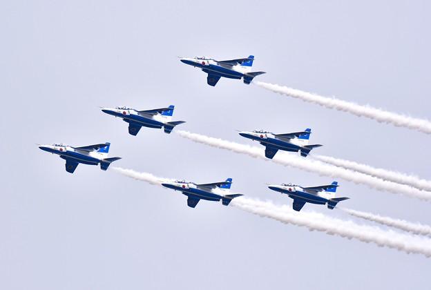 ブルーインパルス予行練習。。編隊飛行ピラミッド