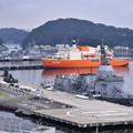 横須賀基地を見渡し試験艦、潜水艦、砕氷艦揃って20170805