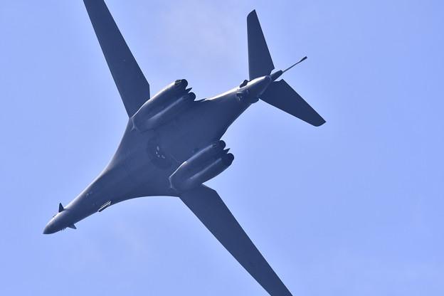 撮って出し。。可変する翼を持つB-1Bランサー 9月9日
