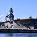 写真: 三連休の最後は横須賀基地。。久々のヘリコプター搭載護衛艦いずも 逸見岸壁定位置へ 9月18日