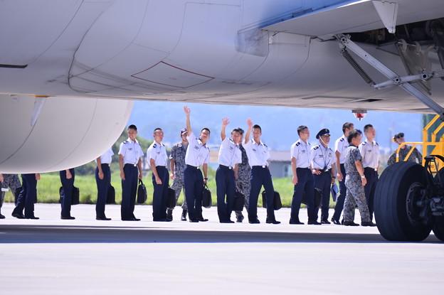 松島基地へ来ていた未来のパイロット?(^^)航空学生たち。。帰路へ
