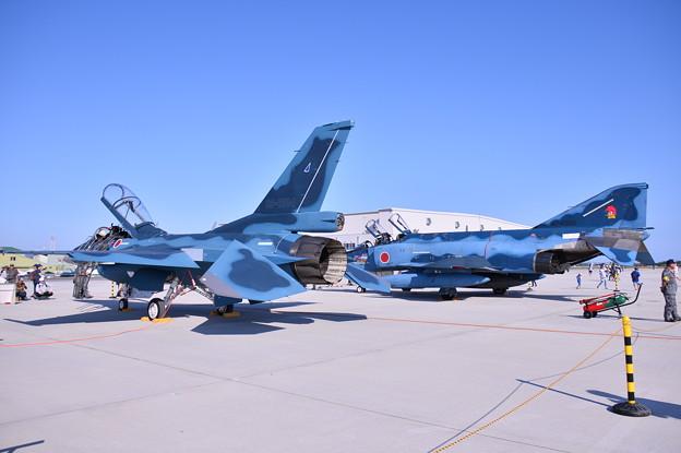 松島基地での青空と青い機体2機並んで。。(^^)