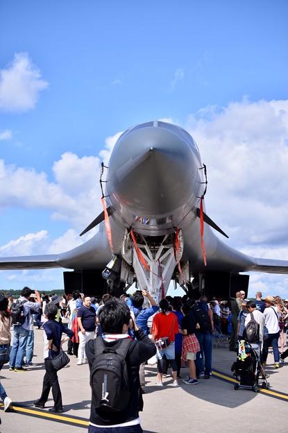 日本初公開の戦略爆撃機B-1B。。正面姿