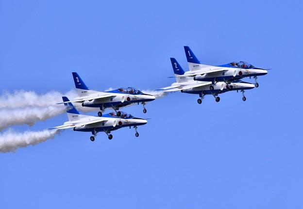 三沢基地航空祭。。ブルーインパルスダーティーターン