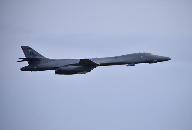 グアムへ帰投。。戦略爆撃機B-1Bランサー 上がり?