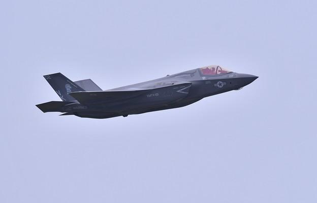 航空祭終えて翌日。。三沢から飛び立つF-35B VK02 (1)