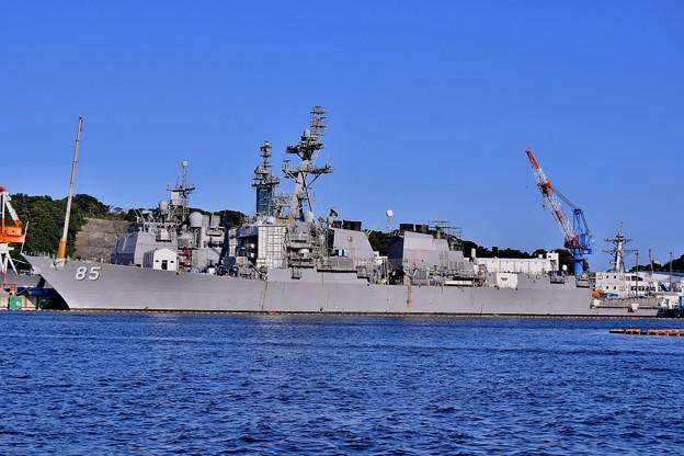 軍港めぐり 米海軍横須賀基地側に米軍ミサイル駆逐艦マッキャンベル 20170918