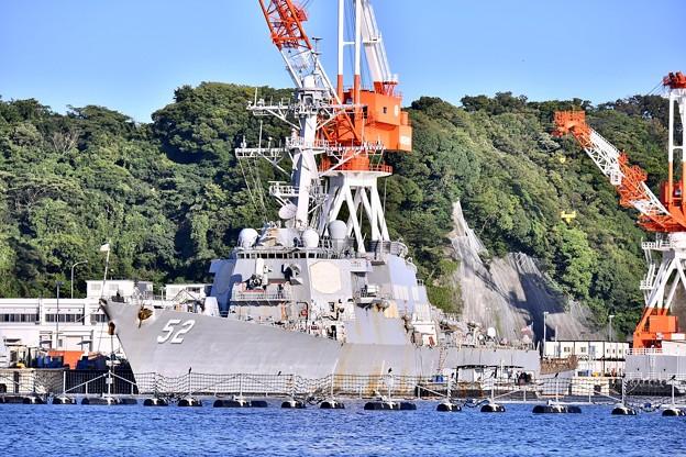米軍横須賀基地。。空母用第12バースにミサイル駆逐艦バリー 20170918