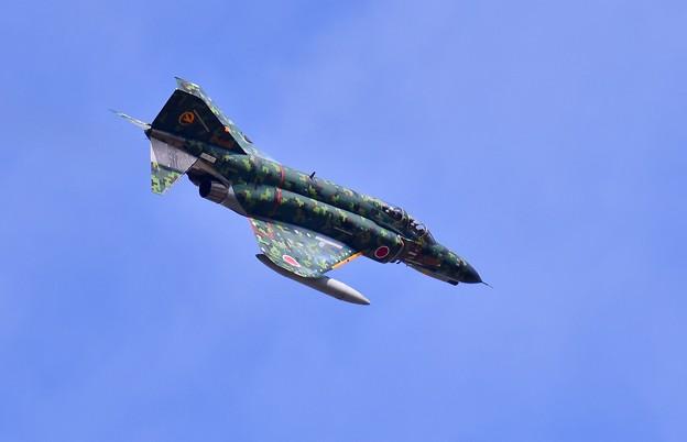撮って出し。。岐阜基地航空祭 少しの太陽の光 デジタル迷彩F-4機動飛行 11月19日