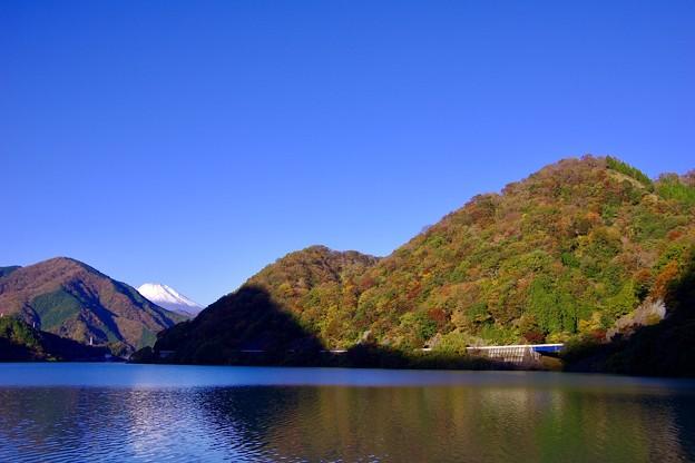 丹沢湖からチラリと富士山。。青空な風景 20171112