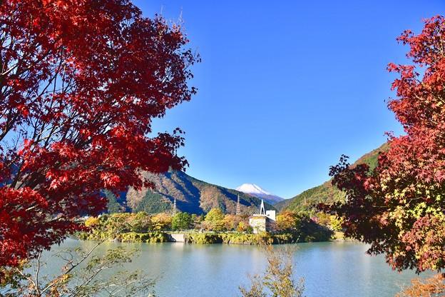 丹沢湖と紅葉と富士山。。コラボ(^^) 20171112