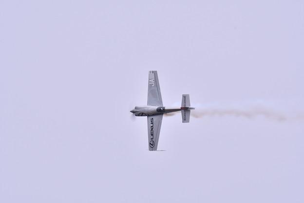 アジア人初のレッドブルエアレース年間チャンピオン 岐阜基地航空祭をアクロバット
