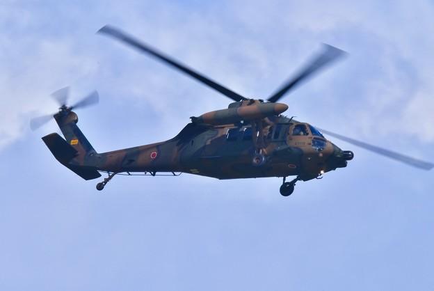那覇駐屯地のUH-60ヘリコプター 周辺飛行瀬長島 20171122
