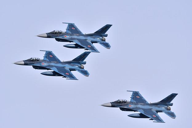 第8飛行隊黒豹F-2の編隊飛行。。築城基地航空祭予行練習