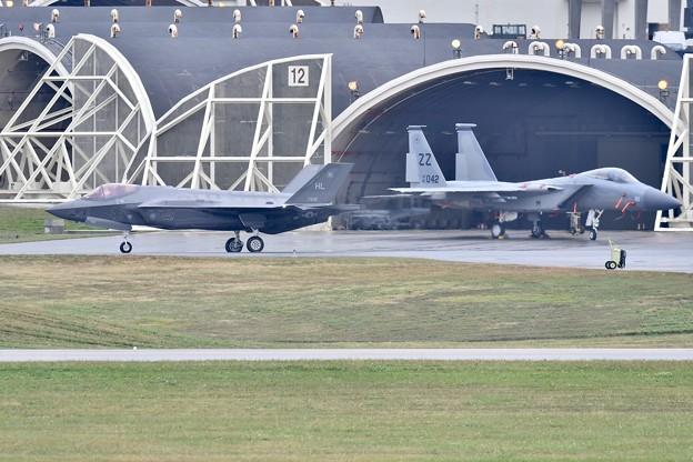 撮って出し。。三連休最後で目的のF-35とイーグル飛ぶ 1月8日