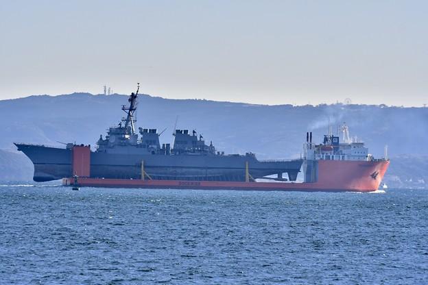 浦賀水路を通る輸送艦トランスシールフ。。米海軍駆逐艦フィッツジェラルド乗せて。。20171209