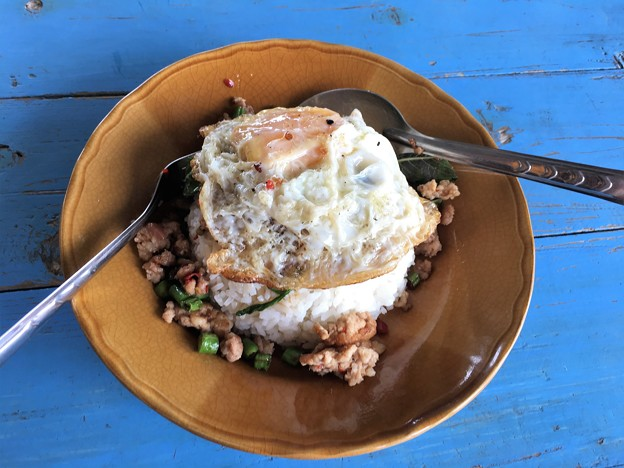 昼飯のタイ飯 (2)