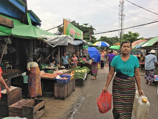 タビンシュエティの市場 (1)