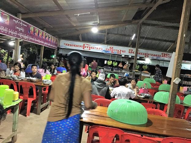 ヤンゴン行きのバス (7)