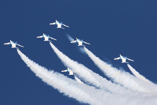 Photos: ブルーインパルス 飛行展示7
