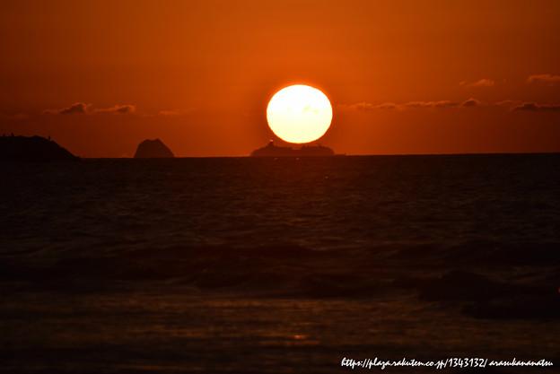 写真: 0123 船と夕陽