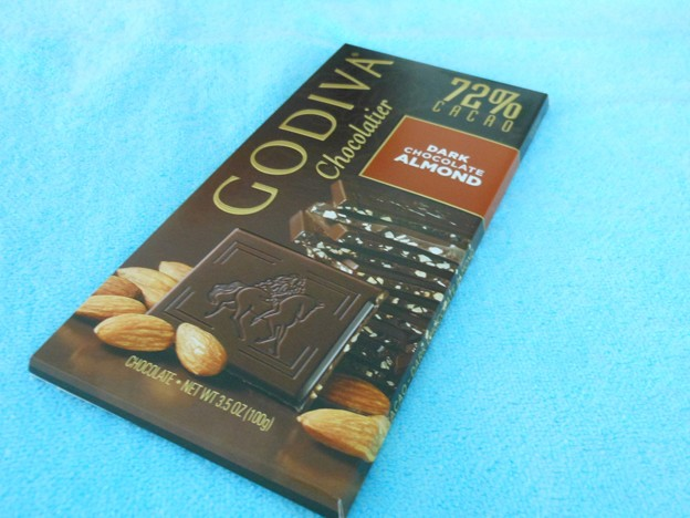 GODIVA*ダークチョコレートアーモンド1