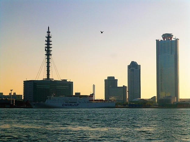 夕暮れの大阪南港