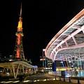 写真: テレビ塔とオアシス21