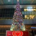 写真: 名古屋駅のJRゲートタワーエントランス