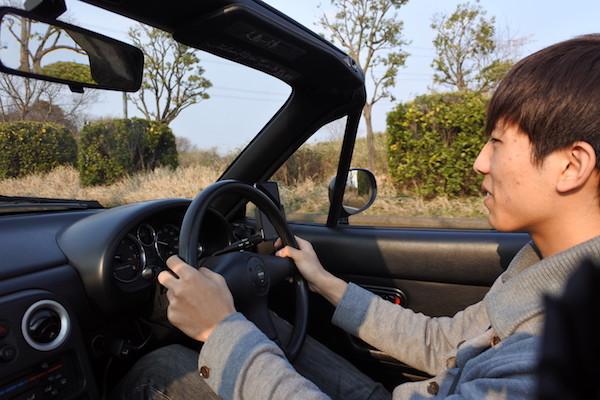 私は助手席に乗り込み、長男の運転で出発