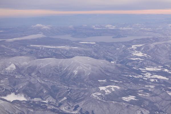 上空から十和田湖が見えました