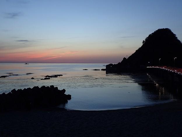 写真: 29 GW 山形 由良海岸の夕焼け 2