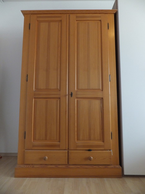 木製洋服箪笥 wooden wardrobe