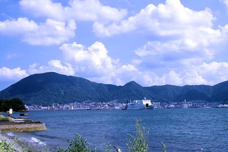 関門海峡を航行する客船(彦島)1