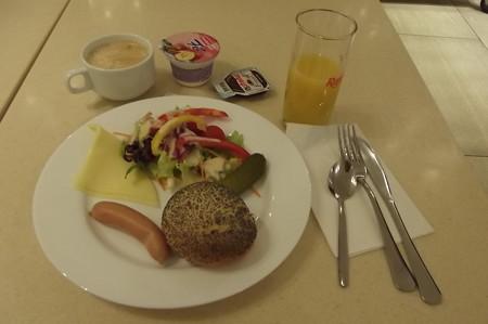 フランクフルト・東横インの朝食1126